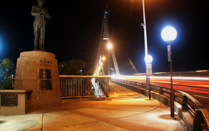 Installation of Anzac Digger on Anzac Bridge